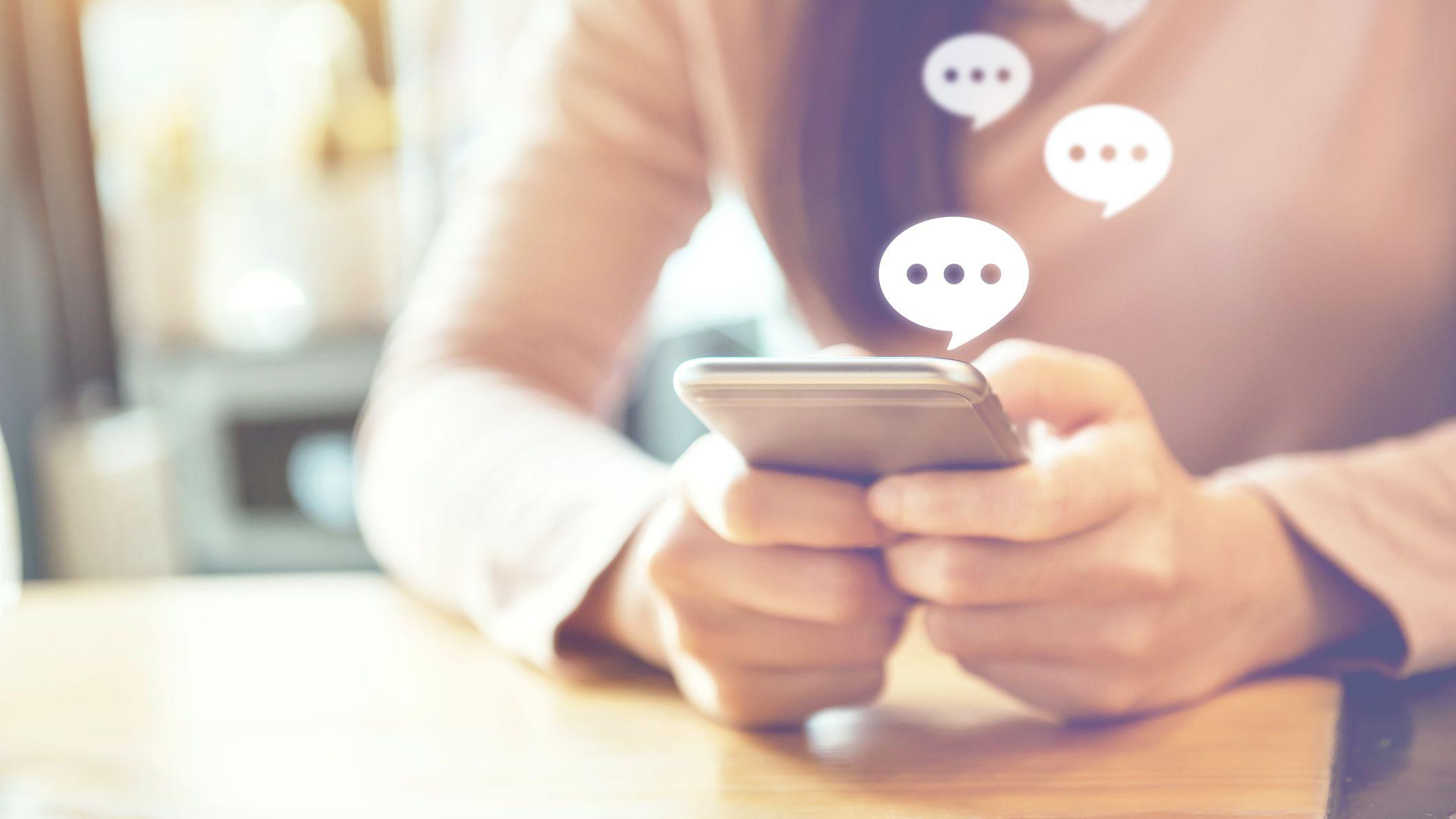 La voyance par SMS vous permet d'échanger par écrit instantanément avec votre voyant ou médium lors d'une consultation de voyance
